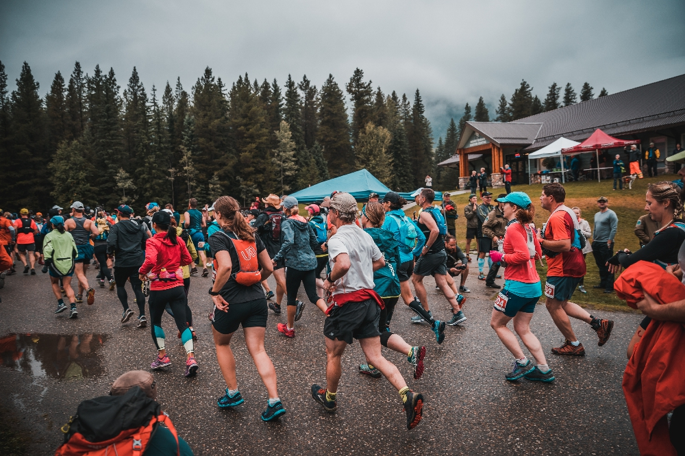 Mount-Robson_marathon_runners